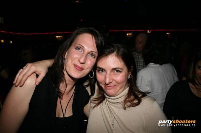 30_plus_party12_20090122_1745813120.jpg