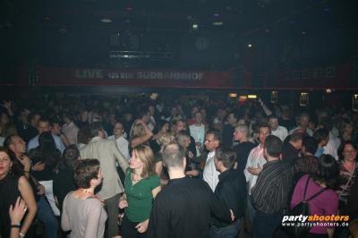 30_plus_party20_20090105_1720053249.jpg