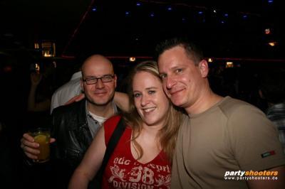 30_plus_party22_20090102_2090078934.jpg