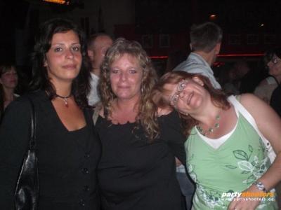 30_plus_party26_20080626_1878966270.jpg
