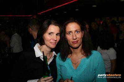30_plus_party26_20090105_1931006097.jpg