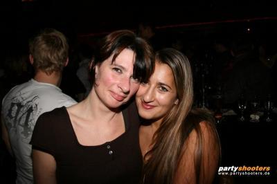30_plus_party29_20090105_1768799064.jpg