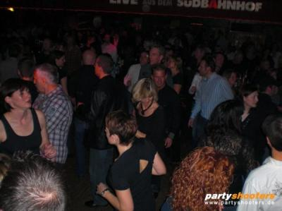 30_plus_party36_20091204_1545597870.jpg