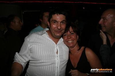 30_plus_party41_20090122_1668759837.jpg