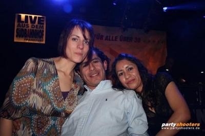 30_plus_party45_20090102_1631631553.jpg