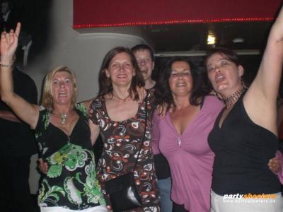 30_plus_party46_20080626_1651579476.jpg