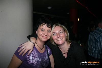 30_plus_party46_20090105_1870854210.jpg