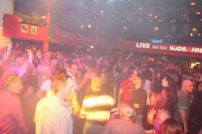 30_plus_party5_20101115_1686746078.jpg