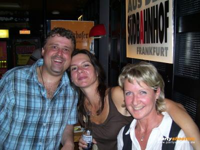 30_plus_party_vom_19-05-200745_20070522_1987635672.jpg